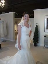Romantic Cap Sleeve Bride Dress Charming V Neck Open Back Appliqued Lace Mermaid Wedding Dresses with Veil abiti da sposa