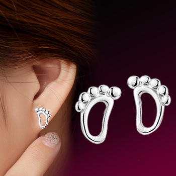 XUBCHC High Quality Irregular Baby Footprints White Stud Earrings Tendy Earring Fashion Jewelry for Women Best Gift image