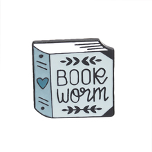 a thick book Cover Heart pattern Light green brooch Book fan gift Sweater denim badge Creative Fresh personality pin