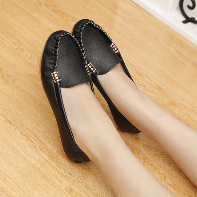 New spring autumn hot fashion casual flat soft shoes women light  female artificial leather round toe flats loafers boat shoes 2016 autumn fashion women full grain leather flat heel white shoes student bling round toe leather brand basic flats loafers