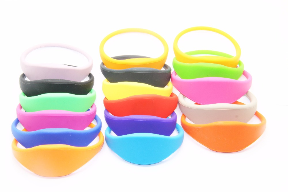 200pcs/lot waterproof rfid wristband 125khz EM4100 blue red green silicone id wristband for swimming pool rfid 125khz wristband with em chip waterproof abs bracelet for access control swimming pool fitness suana water park 100pcs lot