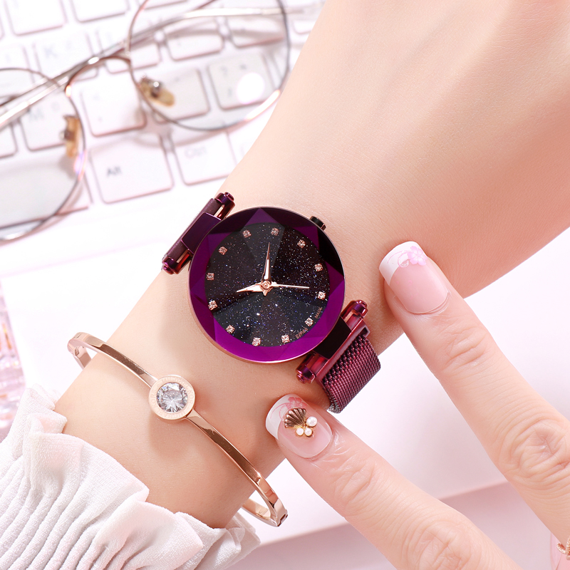 2018Popular Women Watches Fashion Elegant Magnetic Buckle Mysterious Purple Lady Wrist Watch Starry Sky Roman Numeral Gift Clock
