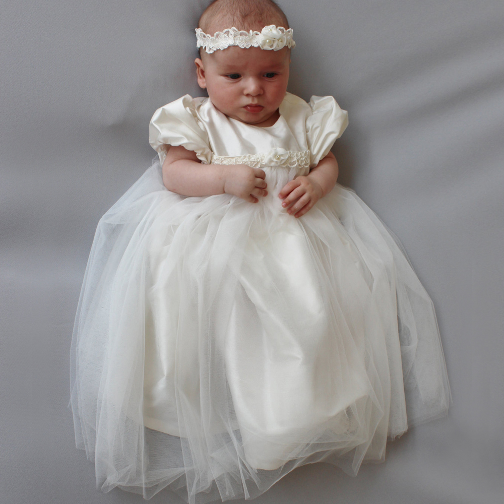 With Headband Vestidos Infantis Baby Girl Christening Gowns A-line Appliques Back Button O-neck Short Sleeves Baby Baptism Gowns vintage baby girl christening dresses a line beading short sleeves solid white and ivory vestido infantil menina baptism gowns