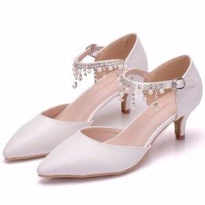 Image 5 - Crystal Queen sandales à talons hauts pour femmes, 5cm, chaussures dété à bout pointu, simple, strass, chaussures pour les dames Mary Janes