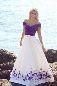 Image 1 - Romantische Lila und Weiß Strand Hochzeit Kleider 2020 Bodenlangen Gefaltetes Handgemachte Blumen Brautkleider Elegante Hochzeit Kleid