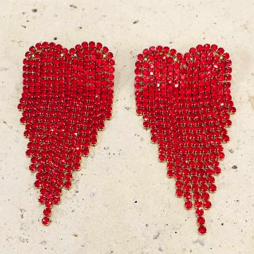 Yeni varış parlak kırmızı Rhinestone melek kalp Charm Dangle küpe kadınlar için moda takı moda koleksiyonu aksesuarları