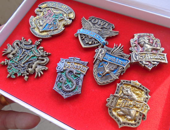 50 sets/lot HARRY POTTER Badge Dolls HOGWARTS Brooch 7pcs in Box for Comic Con Cosplay smile si 1801 утюг