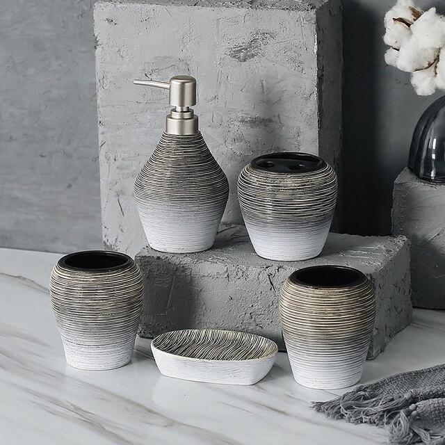 5 pz Porcellana Set Da Bagno Europeo Bagno Distributore di Sapone Liquido In Cer