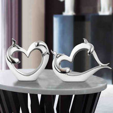 цена на Nordic Ceramic heart abstraction Crafts Furnishing Articles creative Figurines & Miniatures Morden Home Decoration wedding gifts