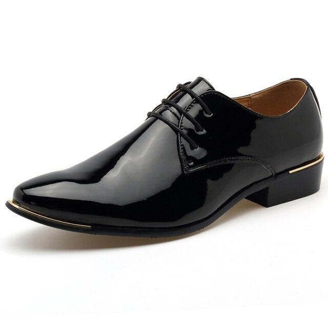 Hombres Vestido Glitter Zapatos de Boda Smoking Charol Punta estrecha Zapatos de Los Planos de Nueva Moda de Encaje hasta zapatos de los hombres de Lujo de la Marca