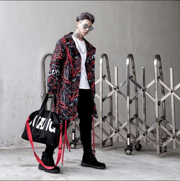 2020 nouveau Hip hop rue mode rue lettre impression longue trench manteau veste hommes ample à capuche veste hommes pardessus chanteur