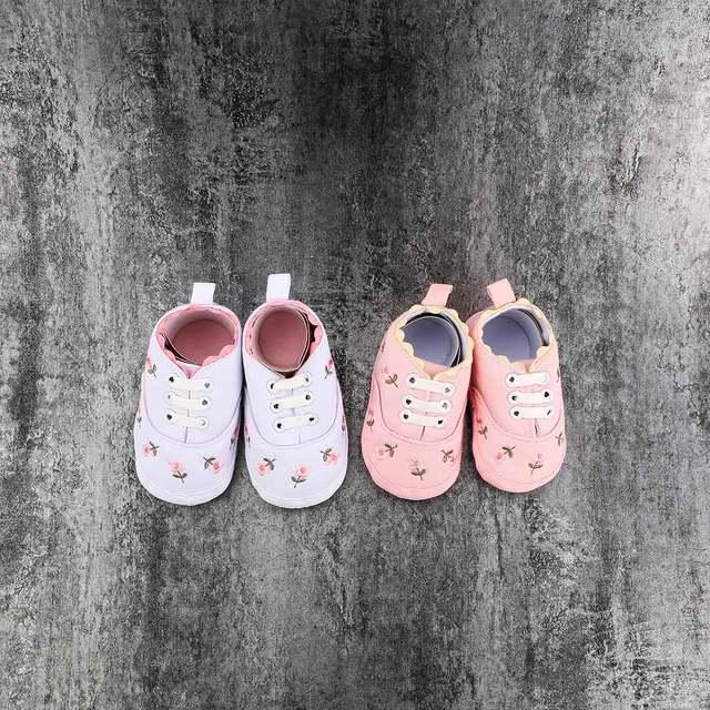 ? 3.68 36% de DESCUENTO|Nuevo Bebé infantil encantador mezcla de algodón blanco encaje Floral bordado suave zapatos para caminar niño bordados niños