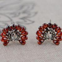S925 prata incrustada de Zircão vermelho Brincos da orelha clipe feminino clássico pavão Estilo Antigo