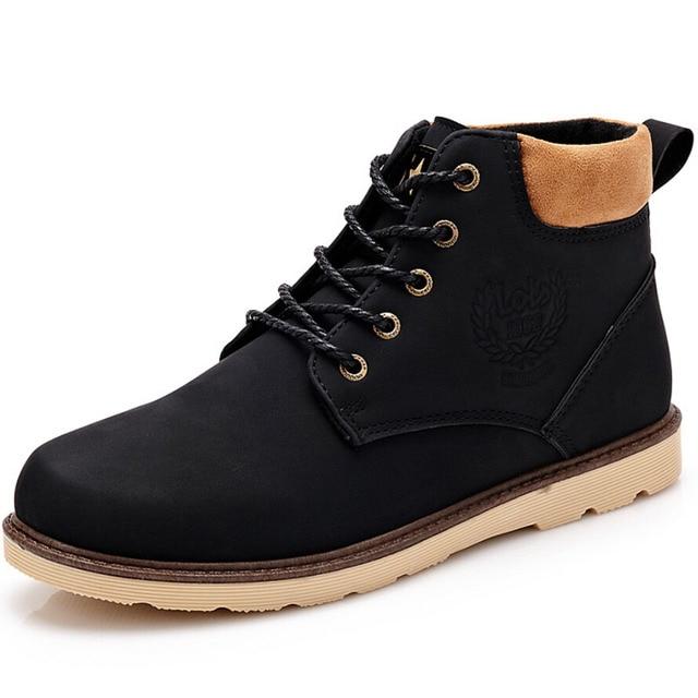 2016 nuevo invierno zapatos transpirables hombres de cuero suaves botas de suela de goma antideslizante botas zapatos masculinos botas de nieve caliente de la piel de la motocicleta