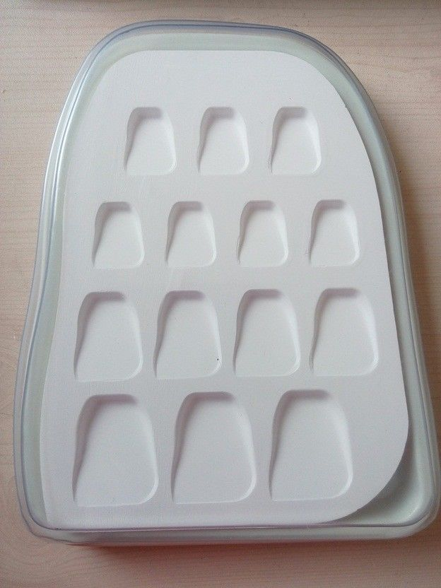 цена на 1pc Dental lab microporous porcelain Ceramic mixing Watering plate Wet Tray tool