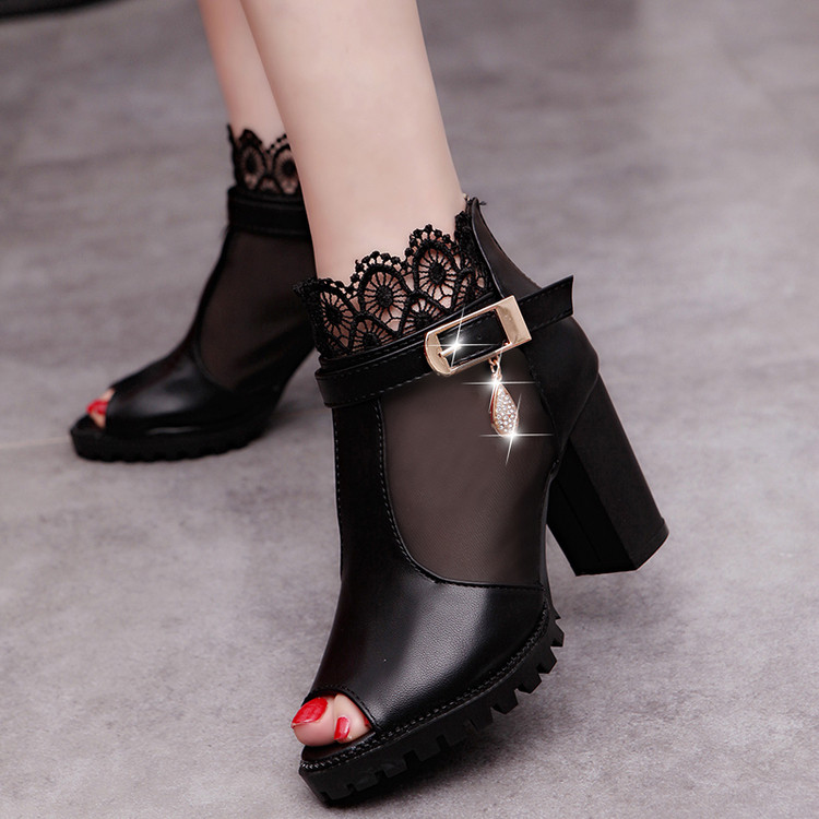The new Korean lace yarn fish mouth shoes, breathable shoes high-heeled sandals shoes in RomeThe new Korean lace yarn fish mouth shoes, breathable shoes high-heeled sandals shoes in Rome