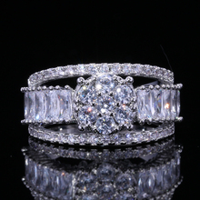 HUITAN Pretty Trendy Wedding Ring With Peach Flower Shaped Cubic Zircon Engagement For Women Micro Paved Luxury Bridal