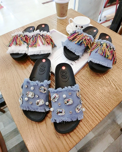 Fur balls floral design slippers European famous brand ladies slippers denim sandals badges crystal shell tassel bow flop flops slipper