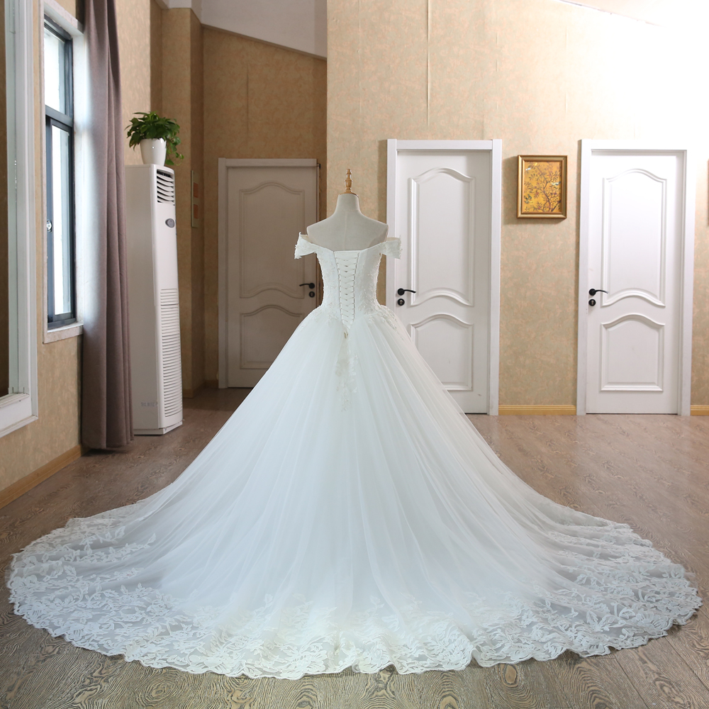 SL-100 Real Pictures Ball Gown Bridal Dress Vintage Muslim Plus Size Lace Wedding Dress Princess with Sleeve 2017 3