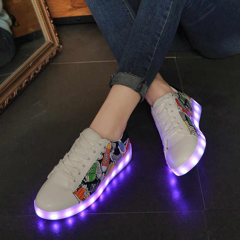 7ipupas ร้อนขาย graffiti luminous รองเท้าสบายๆสีสันสดใส unisex เด็กสาว superstar lighted รองเท้าผ้าใบ usb led เรืองแสงรองเท้าผ้าใบ
