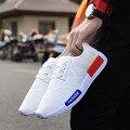 2017 Nueva Primavera/Otoño Barato Tela de Malla de Aire Para Hombre Con Cordones de Los Holgazanes Negro Blanco Color de Retazos de Tela de Ocio zapatos de lona Zapatos de la Caminata