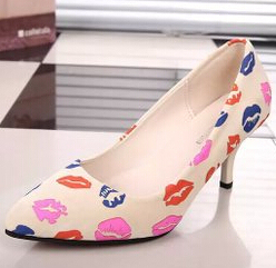 Mulheres sapatos de salto Alto mulher Senhoras Dedo Apontado Sexy sapatos de Salto Alto Moda Buckle Studded Estilete Sandálias de Salto Alto Sapatos de bombas