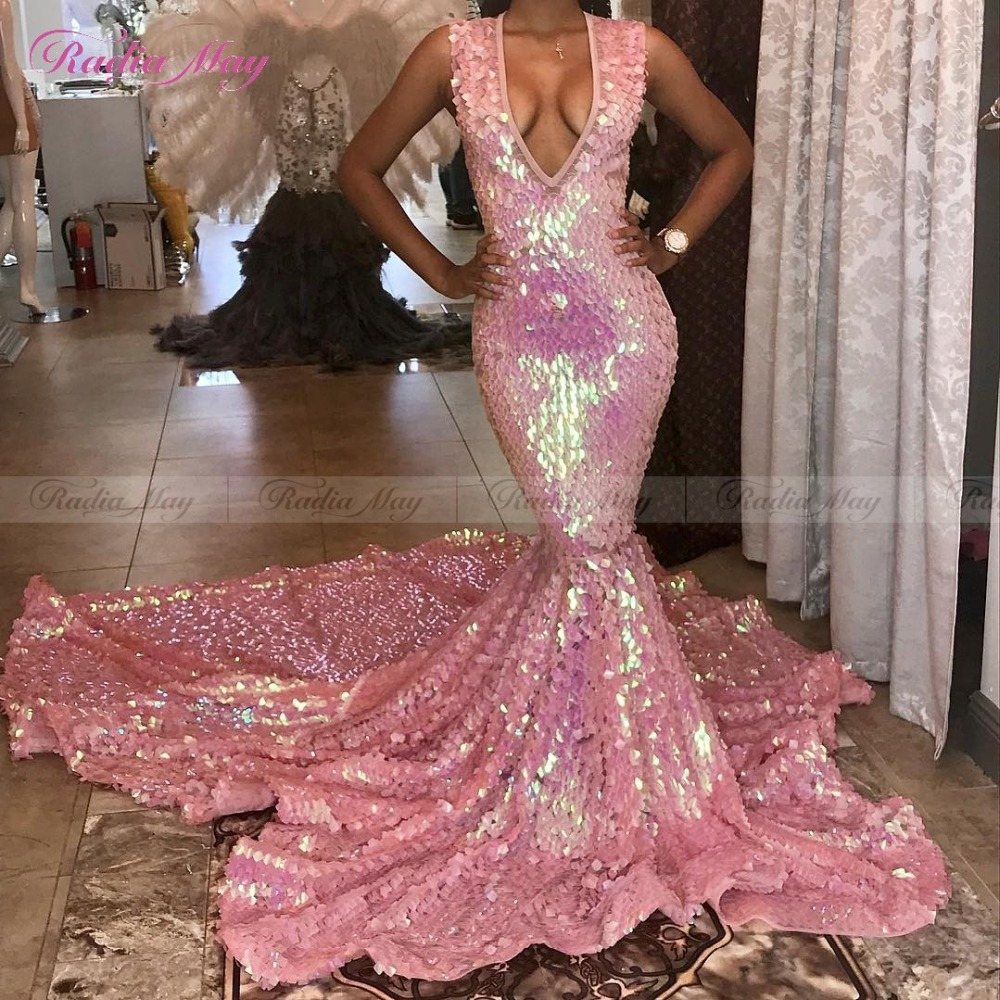 Luxury Chapel Train Sequined Mermaid Long Pink Prom Dresses for Black Girl Sexy V Neck Backless