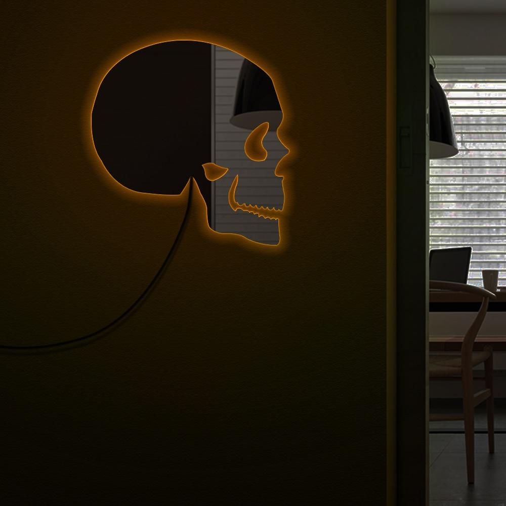 Skull Head Wall Mirror Day of The Dead Skeleton Head Decorative Acrylic Mirror With LED Lighting Halloween Horror Wall Art Decor