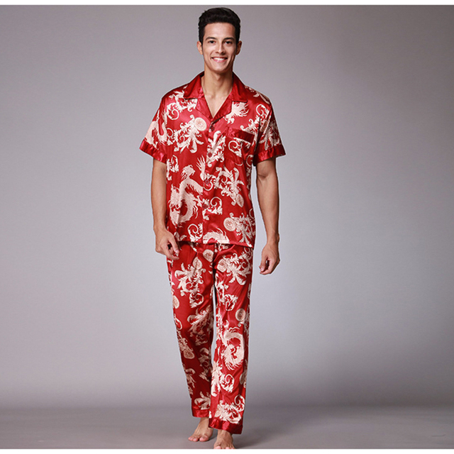 2018 Для мужчин атласные пижамы набор короткий рукав длинные штаны принт шелковые пижамы мужской Повседневное Домашняя одежда осень Открыть стежка Ночное