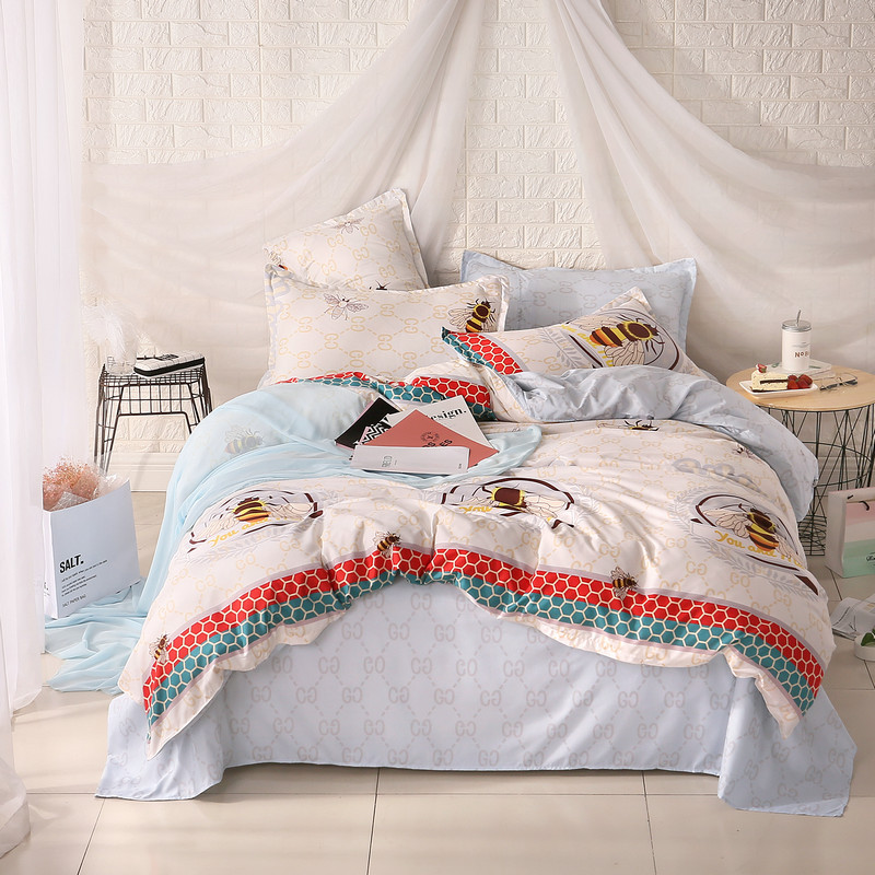 Natural Life Elegant And Comfortable Little Bee Prints Comfortable Home Textiles Quilt Cover + Bed Sheet+Pillowcase
