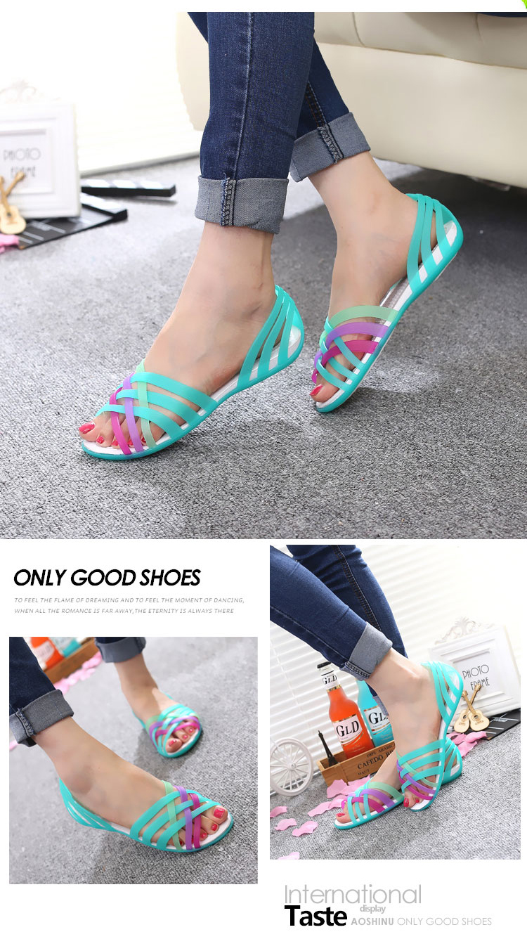 New Summer Jelly Sandals Women Flat Sandals Peep Toe Beach Shoes Rianbow Ladies Slides Candy Rainbow Flats Sandalia Feminina