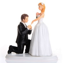 1 pc Bride and Groom American proposing kissing Funny Figurine Wedding Cake Topper Personalised Event Party Supplies Marriage bride and groom funny figurine wedding cake topper personalised event party supplies marriage pregnant wife