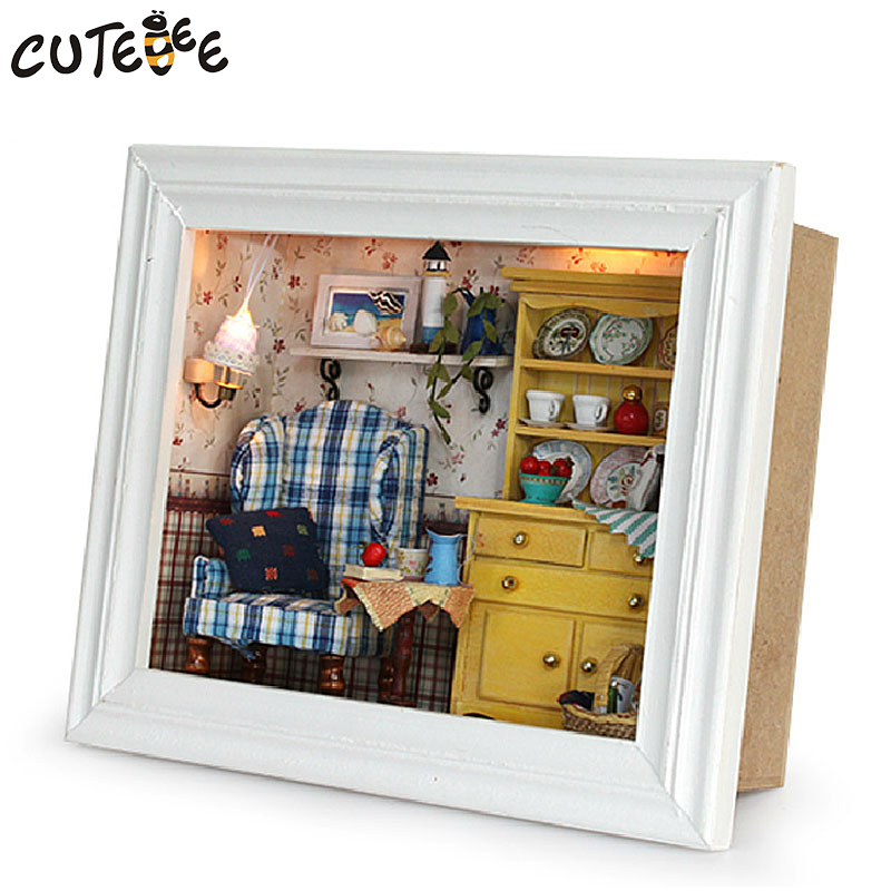CUTEBEE DIY Doll House Trä Doll House Miniatyr Dollhouse Möbel Kit Leksaker för barn Present Nötter Station dockor W03