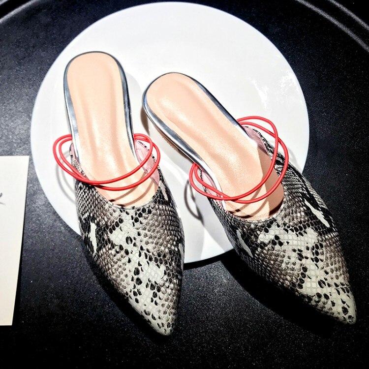 Mljuese 2019 여성 슬리퍼 암소 가죽 여름 지적 발가락 블랙 컬러 뱀 스트립 해변 샌들 파티 웨딩 드레스 크기 43-에서슬리퍼부터 신발 의  그룹 1