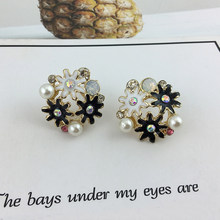 01b3d3cba4a7 Oro flores pendientes para Mujer Boucle d oreille cristal esmalte flor  Clover pendiente Bijoux Brincos Mujer