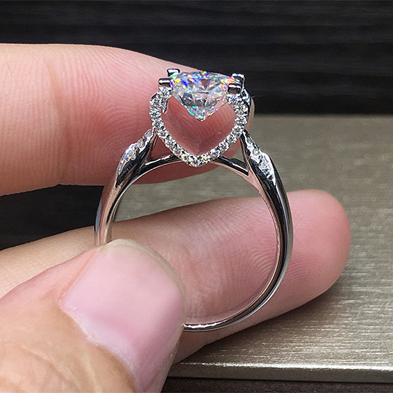 Solid 18K White Gold 1ct 6.5mm AU750 Bull Head Round Brilliant Cut Side Stones Moissanite Ring Engagement Ring For Women