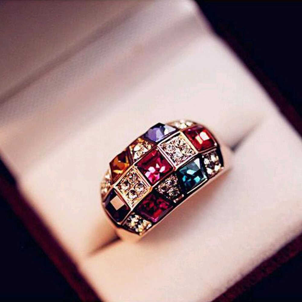 2017 New Hot Luxury Fashion Colorful Crytal Rhinestone Finger Ring Alloy Gold Colour Women statement Rings