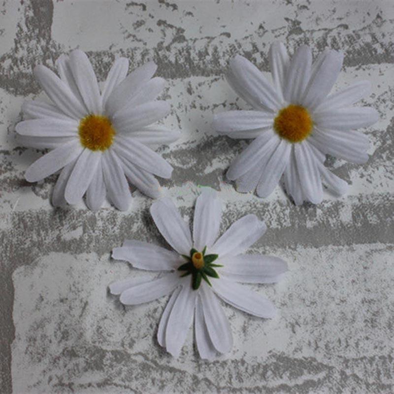 100PCS,4.5CM Head,Artificial Mini White Fake Daisies Flower Heads,Silk Daisy Flowers For Hair Wedding,Hawaiian Party Decorations