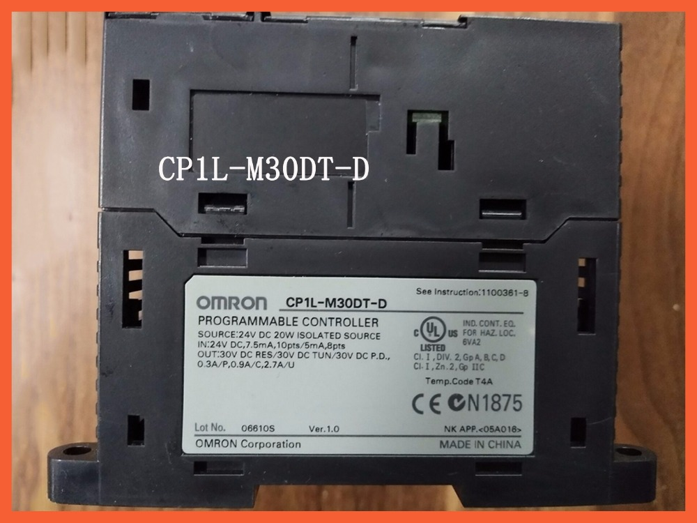 Programmable Logic controller Module CP1L-M30DT-D PLC CPU DC input 18 point transistor output 12 point new and original plc programmable logic controller module cs1g cpu44h