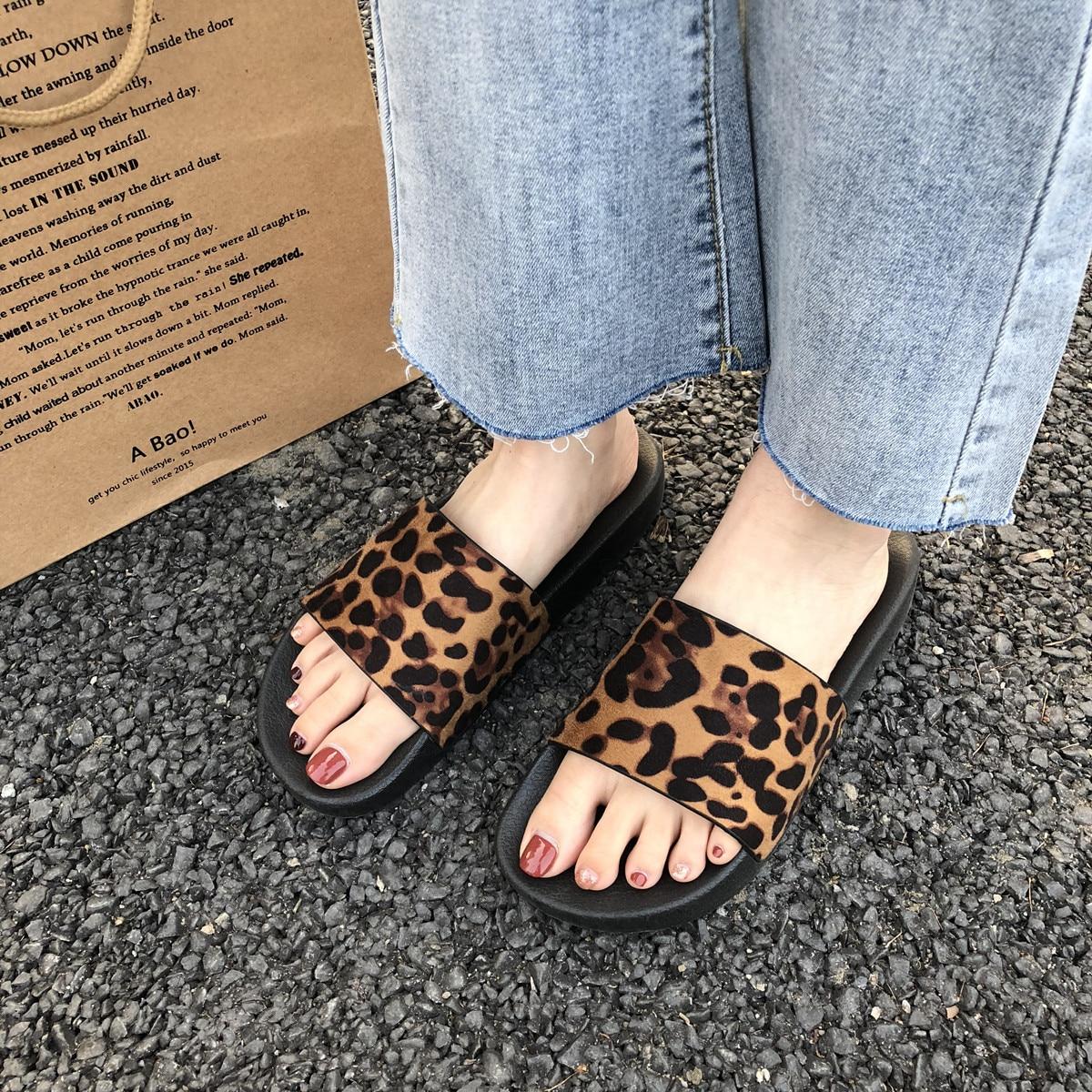 Summer Slippers Women Slides Leopard Indoor & Outdoor Slippers Platform Sandals Shoes Women Slip On Flip Flops Zapatillas Mujer 1