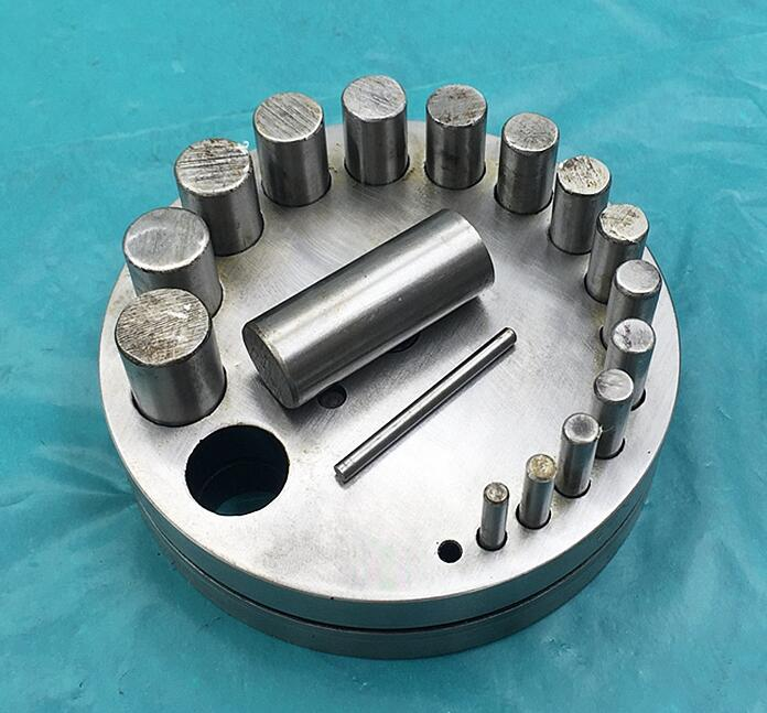 Free shipping jewellery Tools Jewelers Disc Cutter with 17 pcs dies jewelry metal disc cutter-in Jewelry Tools & Equipments from Jewelry & Accessories    1