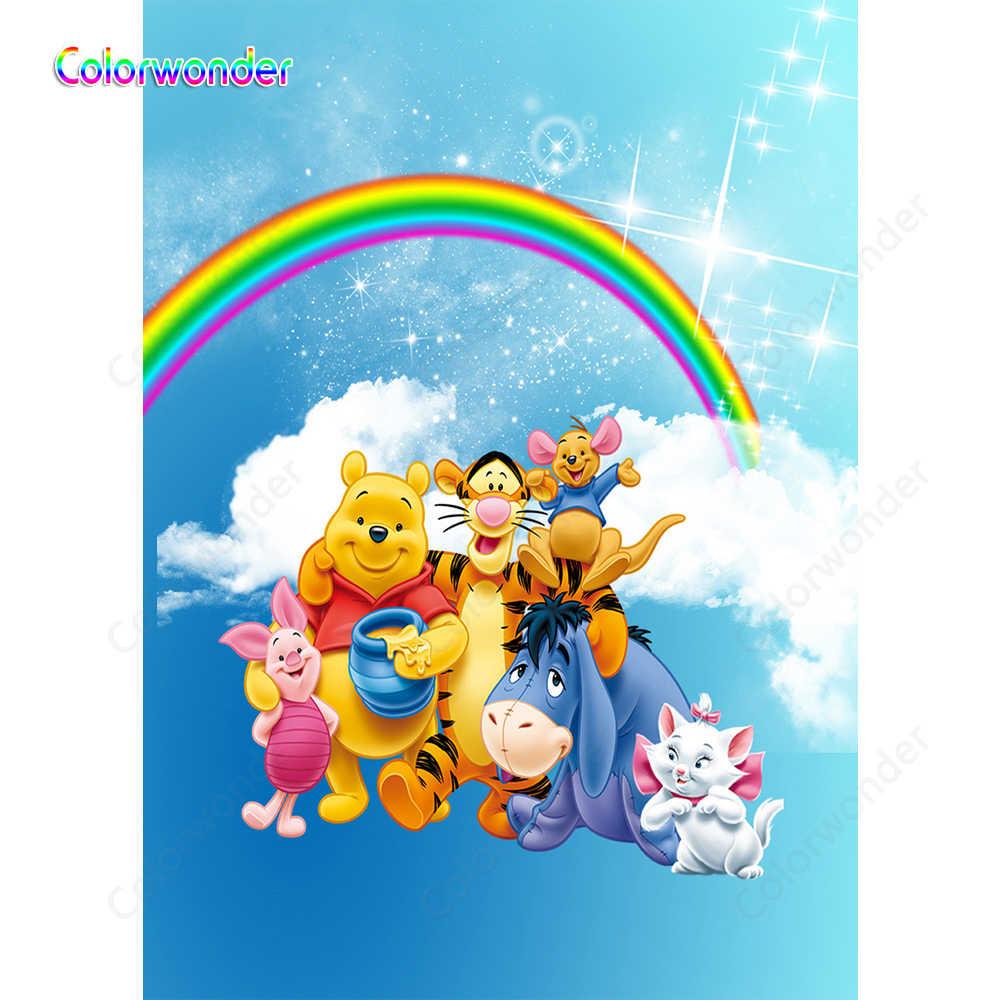 Фон с изображением Винни Пуха и друзей Радужное голубое небо белые облака