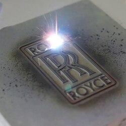 Оптоволоконный волоконный лазерный маркировочный станок 20 Вт Настольный лазерный гравировальный станок Diy логотип знак