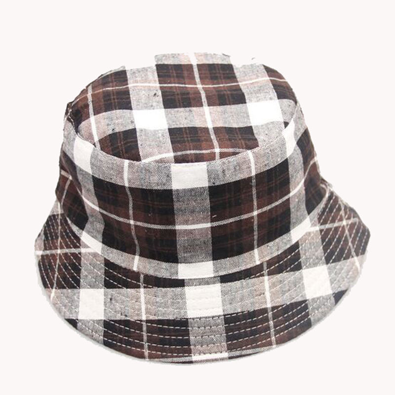 34095984e7fe6 Aliexpress.com  Comprar 2015 nuevo sombrero a la moda a cuadros Unisex  verano Playa Sol Floppy sombreros Gorras planas Bob Chapeau Gorras de cap  bob fiable ...