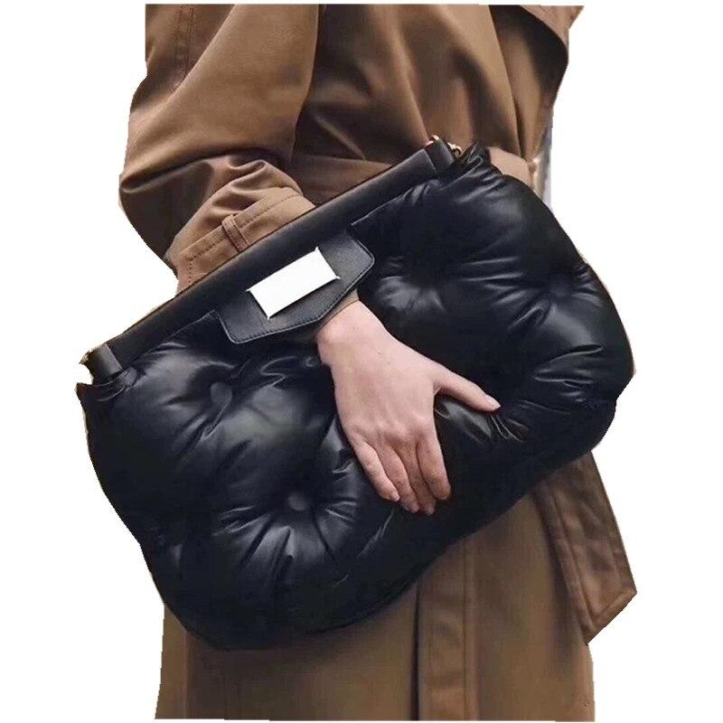 Lettre jour embrayages chaud vers le bas plume rembourré oreiller sac de fête femmes luxe grand grand grand sac à main 2019 noir blanc couleur