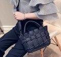 Мода Корея Стиль Черный Мягкий PU Кожаные Сумки Маленький Серый Плетеную Корзину Мешок Фиолетовый Crossbody Сумки Дамы Молнию Сумки