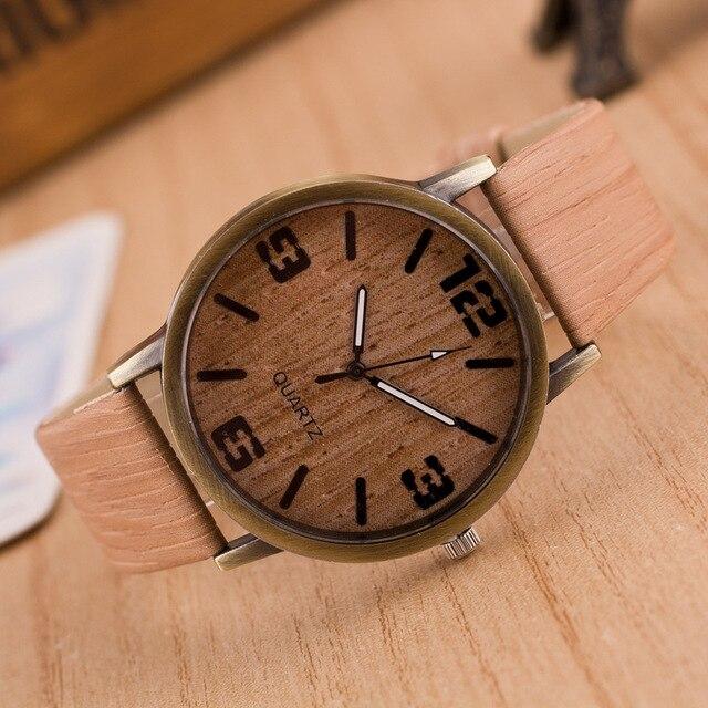 Quatre hommes et femmes numériques sont populaires avec des montres en Imitation bois simples dames et hommes avec Quartz pour le sport 5