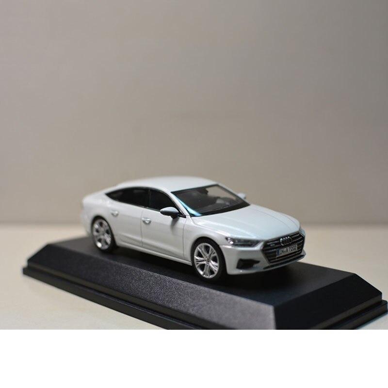 1:43 сплава игрушка спортивные Audi A7 модель автомобиля Детские машинки оригинальный уполномоченным Аутентичные детей игрушки