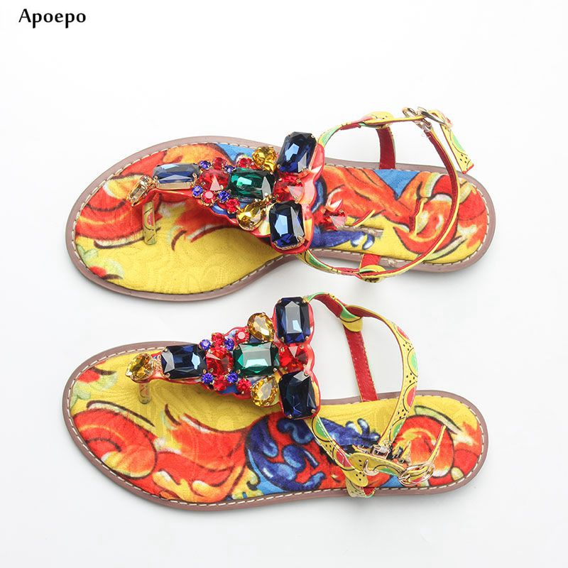 Apoepo Rome Style Thong Sandal Summer Sexy Crystal Embellished Flat Sandal Printed Leather Flip-flops Gladiator Sandal women flat pom pom decor flat sandal crystal butterfly knot summer shoe cutouts sandal mixed color fur gladiator sandal