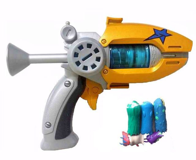 Hot Sale Cartoon Anime Slugterra Play Shot Gun Toy Give 3 Bullets&2 Slugterra Action Figure As Presents, Boy Toy Pistol Gun Gift